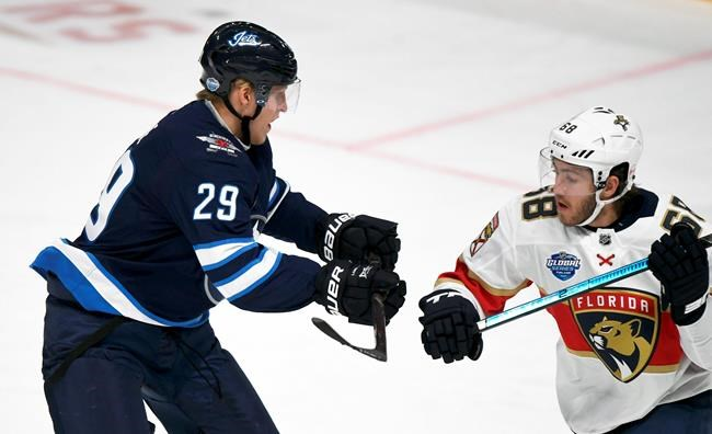 Les Panthers battent les Jets 4-2 à Helsinki