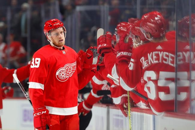 Les Red Wings écrasent les Coyotes 6-1