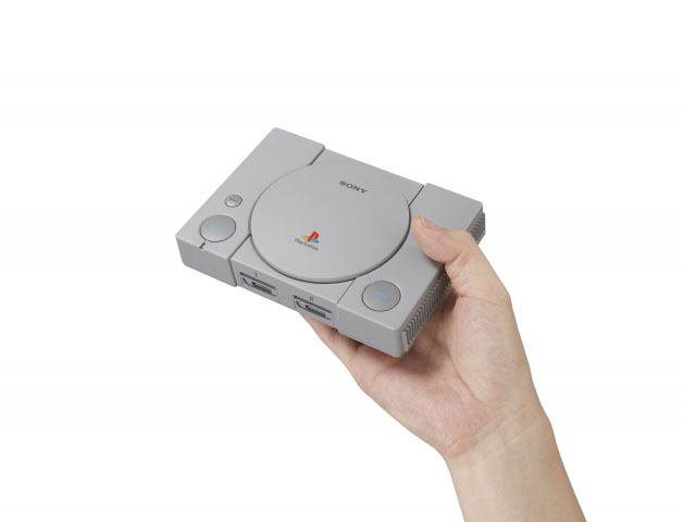 Les mini consoles pour Noël: les classiques de Nintendo, PlayStation, Commodore 64…