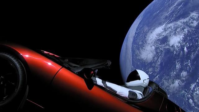 La voiture spatiale d'Elon Musk a dépassé Mars