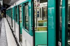 Paris: il vole une chèvre près du Louvre et prend le métro avec
