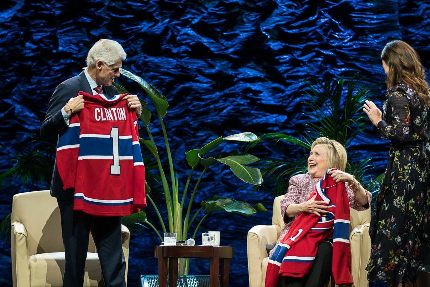 À Montréal, les Clinton plaident pour l'entraide