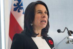 Interdire le cannabis en public à Montréal créerait des inégalités, croit Valérie Plante