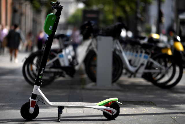 Madrid fait retirer les trottinettes électriques en libre service