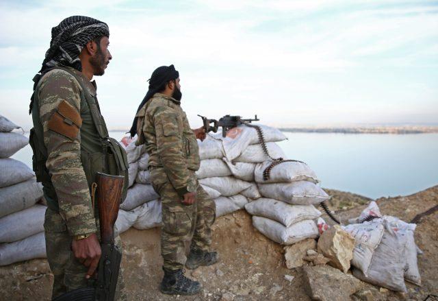 Quels scénarios possibles en Syrie après le retrait américain?