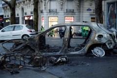Macron répond aux gilets jaunes après le chaos à Paris
