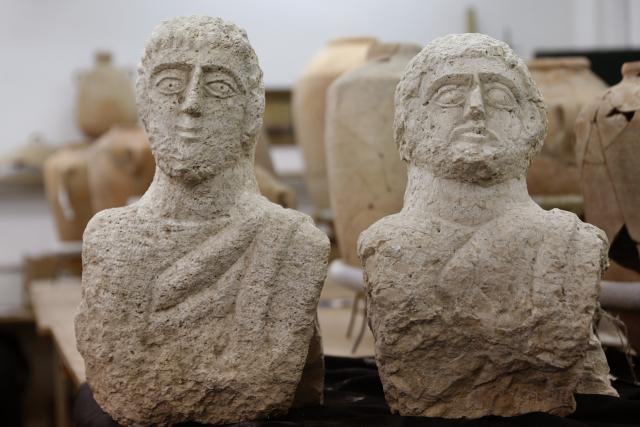 Israël: des bustes de l'époque romaine découverts par une promeneuse