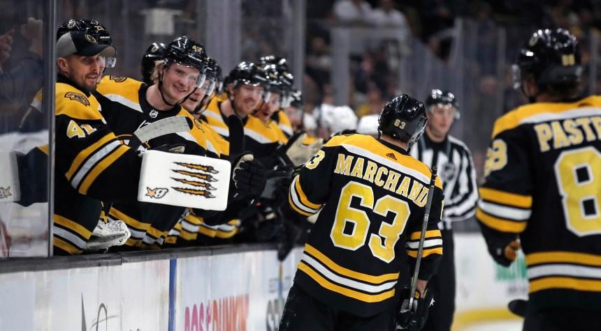 Les Bruins comblent déficit et l'emportent 4-3