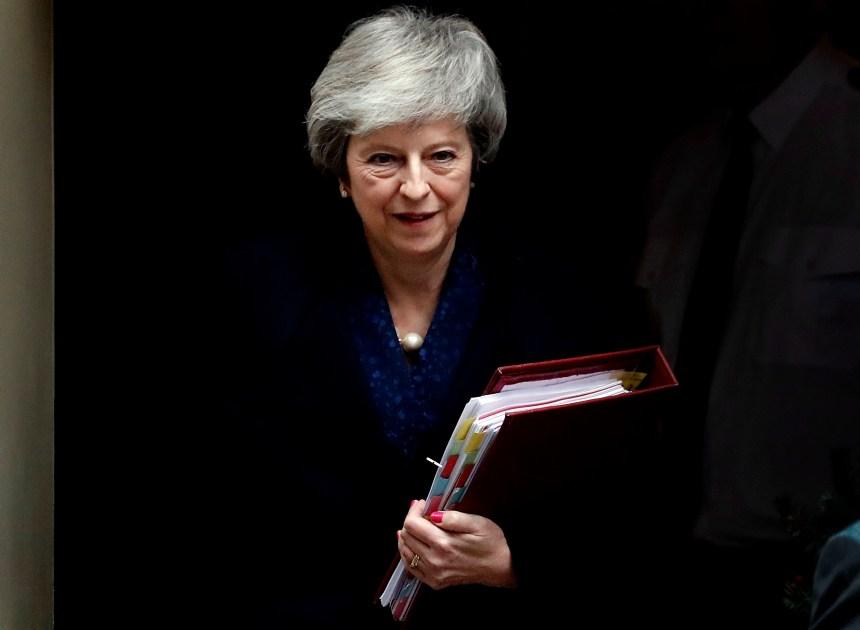 Brexit: Theresa May remporte le vote de défiance organisé contre elle
