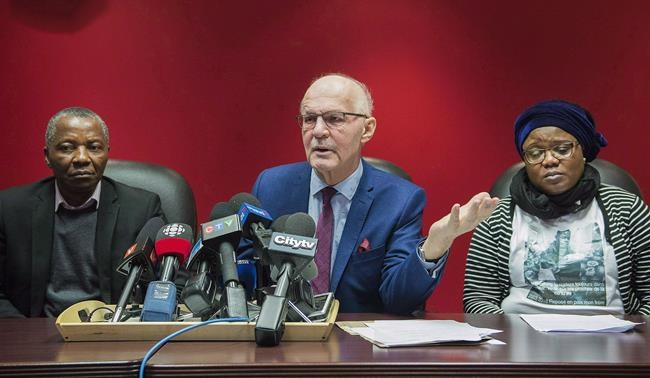 La famille d'un adolescent mort noyé dans une école montréalaise réclame 1,5M$