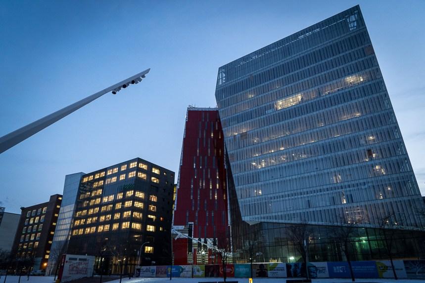 Une réglementation en vue pour encadrer l'éclairage dans le Quartier des spectacles