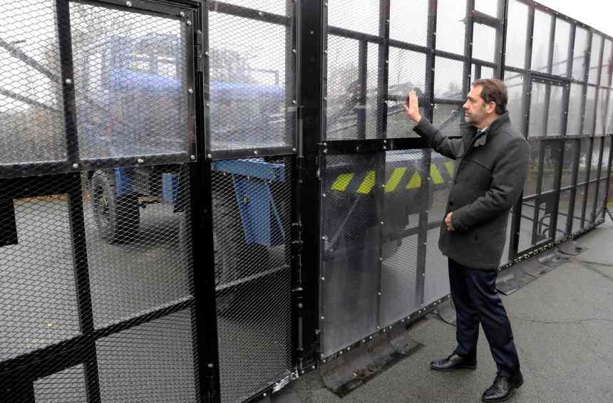 Tension et inquiétude maximales en France avant un samedi à haut risque
