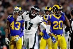Les Eagles surprennent les Rams, 30-23