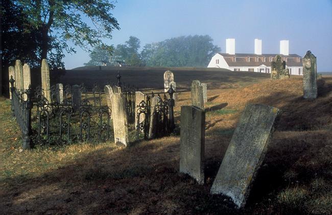 Des chercheurs en quête des secrets d'un cimetière
