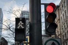 Montréal hésite à déployer des feux exclusifs aux piétons