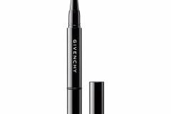 Givenchy signe une ligne de maquillage unisexe