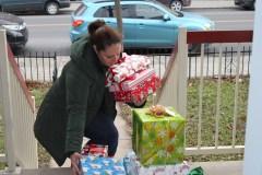 Des mères et des pères Noël dans le grand Sud-Ouest de Montréal