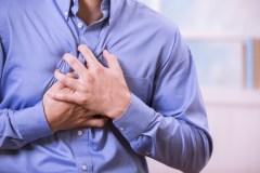 Le risque de crises cardiaques augmente durant le réveillon de Noël
