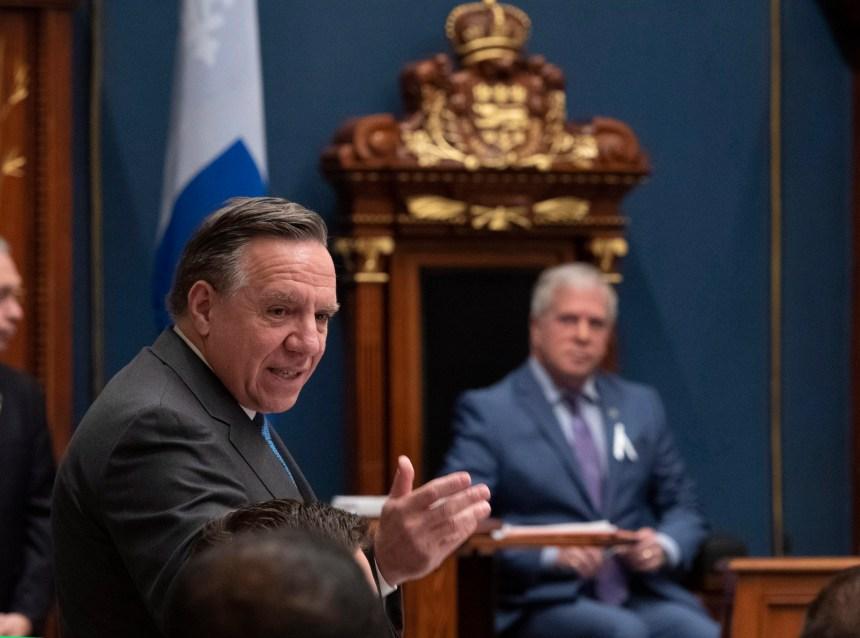 Le président de l'Assemblée nationale rappelle à l'ordre le gouvernement