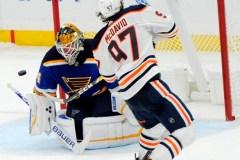 Les Oilers battent les Blues 3-2 en fusillade