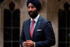 Raj Grewal expulsé du caucus libéral