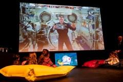 David Saint-Jacques raconte une histoire aux enfants depuis l'espace