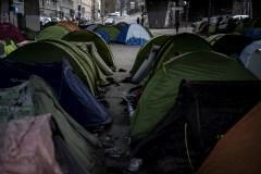 Plus de 200 migrants, dont de nombreuses familles, évacués de campements à Paris