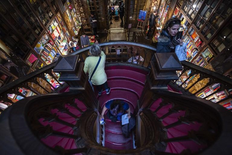 Une librairie centenaire au coeur de Porto sauvée grâce à Harry Potter