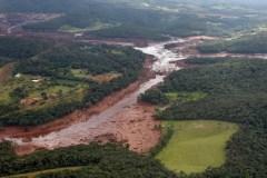 Rupture d'un barrage au Brésil: 34 morts, peu d'espoir pour près de 300 disparus