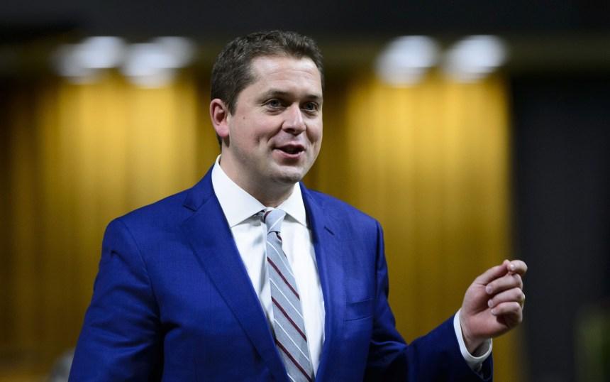 Les conservateurs chauffent les libéraux dans les intentions de vote