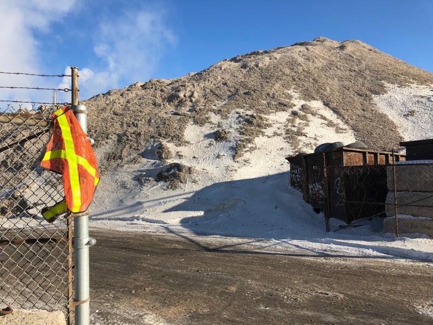 Des monticules de débris au coeur d'une poursuite à Montréal-Est