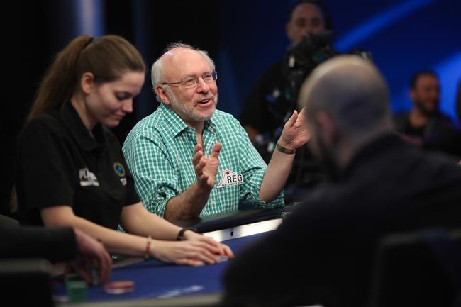 Un joueur de poker veut faire don de sa cagnotte à un organisme de bienfaisance