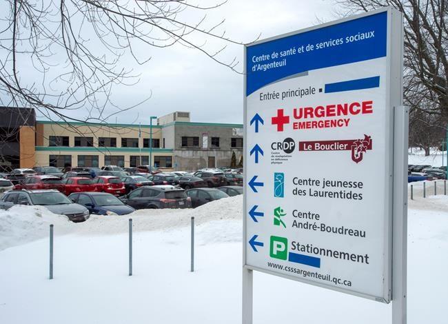 Legault défend le retrait d'affiches en anglais à l'hôpital de Lachute