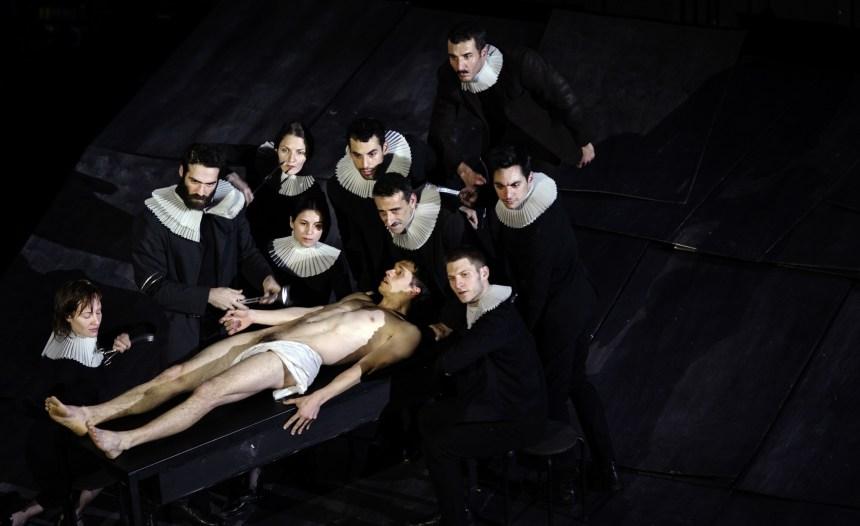 The Great Tamer de Dimitris Papaioannou: L'antithèse humaine