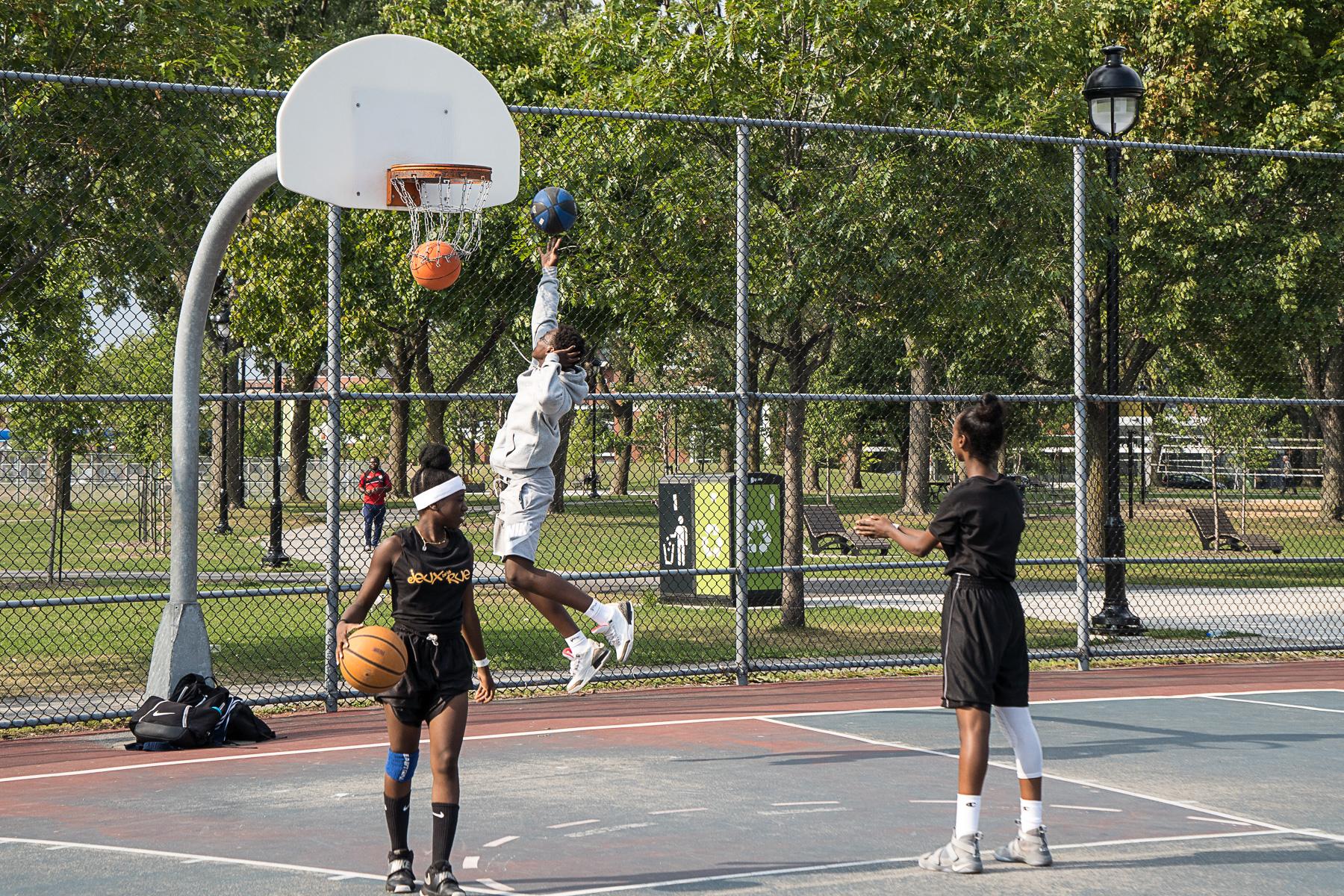 Sol Terrain De Basket bientôt un terrain de basketball au parc daniel-johnson