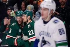 Les Bruins obtiennent Charlie Coyle du Wild pour Ryan Donato et un choix