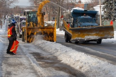 Une sixième opération de chargement de la neige lundi soir à Montréal