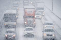 Un nouveau rapport en appelle à taxer les déplacements en voiture