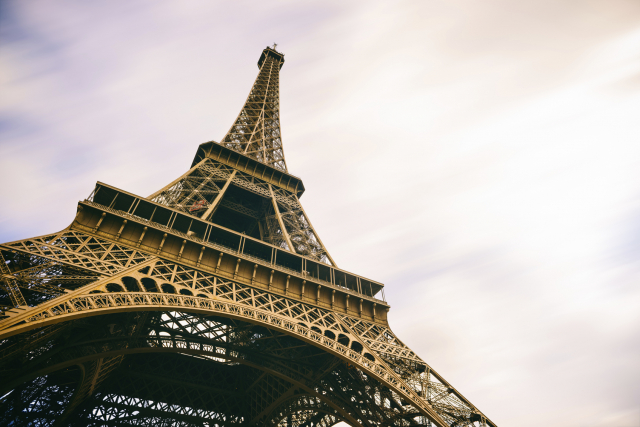 La Tour Eiffel fermée à cause de la neige