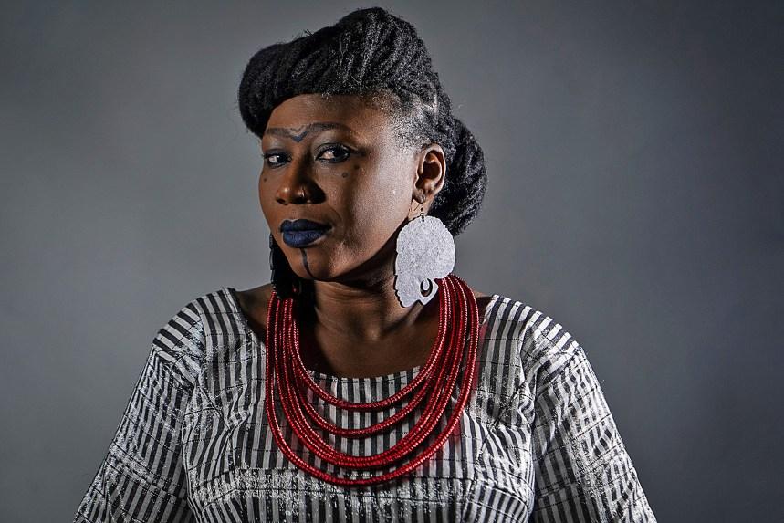 Djely Tapa: Au-delà des frontières