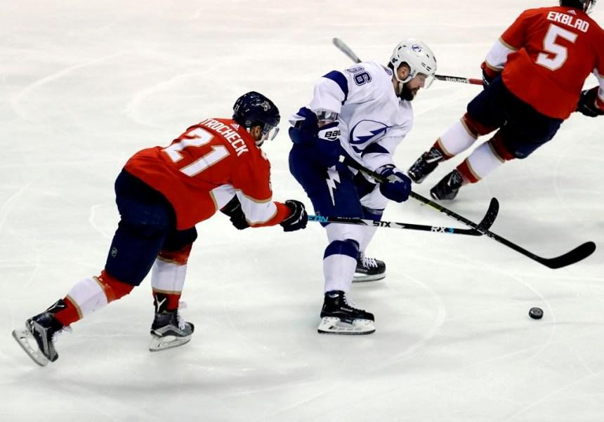 Nikita Kucherov obtient trois points et le Lightning bat les Panthers 5-2