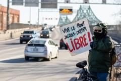 Piétons et cyclistes exigent l'accès au pont Jacques-Cartier toute l'année