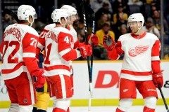 Les Red Wings se replacent à Nashville, l'emportant 3-2 face aux Predators