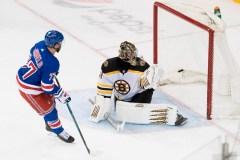 DeAngelo inscrit le but déterminant et les Rangers battent les Bruins, 4-3