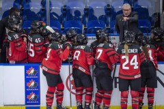 Perry Pearn continue son apprentissage avec l'équipe canadienne féminine