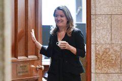 L'ancienne ambassadrice en Israël veut poursuivre la chef de cabinet de Trudeau
