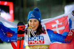 Vlhova remporte le slalom géant aux Mondiaux de ski alpin, Shiffrin se classe 3e