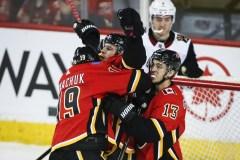 Gaudreau met fin à une disette dans un gain des Flames contre les Islanders