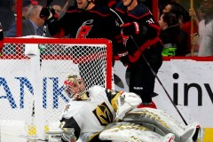 Martinook propulse les Hurricanes vers un gain de 5-2 devant les Golden Knights