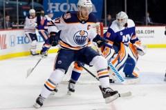 Barzal et Lee marquent en 3e période et les Islanders battent les Oilers 5-2